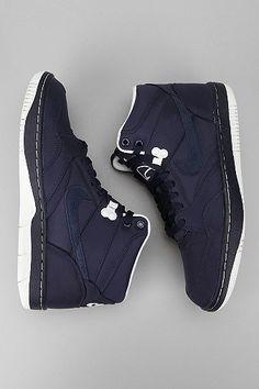9b8ac9a0fc38b7 Nike Sky Force  88 Sneaker