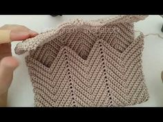 Baby Knitting Patterns, Embroidery Stitches, Purses And Bags, Crochet Top, Youtube, Fashion, Knitted Bags, Cowl, Crochet Pouch