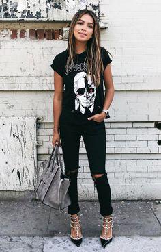 Black graphic tee + black skinny jeans + pointed toe heels
