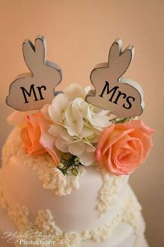 This listing is for a set of 2 wooden love Bunnies with Mr and Mrs vinyl letters Mounted on white food safe sticks They are perfect for wedding