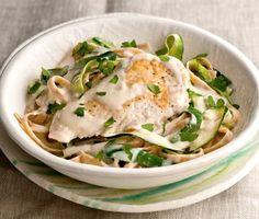 Image via We Heart It #alfredo #Chicken #food #pasta #yum #zucchini
