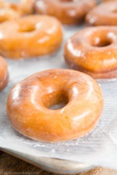 Whether you like Dunkin Donuts, Krispy Kreme or a bakery style glazed donut then wait until you try this recipe! This Dunkin Donuts Glazed Donuts Recipe is so FLUFFY! Dunkin Donuts Recipe, Donut Glaze Recipes, Icing For Donuts Recipe, Fluffy Donut Recipe, Easy Donut Recipe, Doughnut Dough Recipe, Recipe For 4, Yeast Donuts, Baked Doughnuts