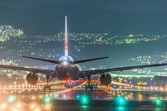 まるで映画のワンシーン!大阪空港で撮影された「飛行機の写真」が美しすぎてヤバい(画像10枚)   CuRAZY [クレイジー]