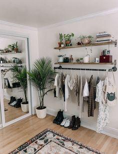 15 Formas lindas y fáciles de decorar tu hogar con plantas Room Ideas Bedroom, Teen Bedroom, Bedroom Designs, Bedroom Inspo, White Bedroom Decor, Apartment Bedroom Decor, Budget Bedroom, Decor Room, Bed Room