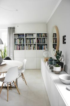 The most beautiful ideas with the IKEA BESTÅ system Ikea Dining Room, Dining Room Design, Condo Living, Apartment Living, Interior Design Living Room, Living Room Decor, Inspiration Ikea, Interiores Design, Home Design