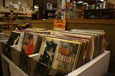 #vinyle #collection #vintage  Chez Breizh Debarras, brocante dans les Cotes d'Armor Magazine Rack, Cabinet, Storage, Furniture, Collection, Vintage, Home Decor, Clothes Stand, Purse Storage