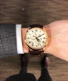 [Orient] Sun & Moon at work : Watches Orient Watch, Moon Watch, Watch Companies, Pocket Watches, Wrist Watches, Sun Moon, Chronograph, Wedding Watches, Watches For Men