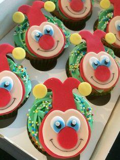 Jokie (Efteling) vanille cupcakes met chocolade drops. Van ZUUT gebak!
