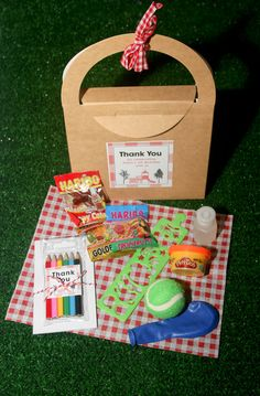 Picnic party favors
