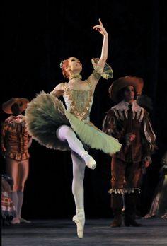 Aurora's friends Ksenia Ovsyanick  English National Ballet's 'Sleeping Beauty'
