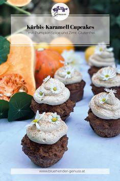 Welches Gemüse schreit Herbst mehr als jedes andere? Genau: der Kürbis! Die Farbe ist anziehend und natürlich wird die Gemüsesorte pünktlich zum Herbstbeginn geerntet. In pikanten Speisen ist das Rankengewächs nicht mehr wegzudenken, doch auch in süßen Mehlspeisen kann er optimal eingesetzt werden. Bei diesen Cupcakes trifft das wandelbare Gemüse auf flüssiges Karamell und auf aromatisches Pumpkin Spice Gewürz. Anbei ist also ein Rezept, um den Herbst in ein kleines Törtchen zu komprimieren. Muffin, Breakfast, Food, Caramel Cupcakes, Cinnamon, Autumn, Morning Coffee, Essen, Muffins