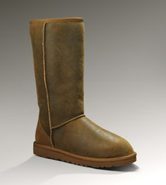 Womens Classic Tall Bomber By UGG Australia....need for the winter!!!