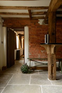 This beautiful period property in the Derbyshire countryside has our Umbrian Limestone laid throughout the kitchen and dining room. Stone Tile Flooring, Hall Flooring, Natural Stone Flooring, Kitchen Flooring, Floors Of Stone, Stone Kitchen Floor, Cottage Hallway, Conservatory Decor, Rustic Country Kitchens