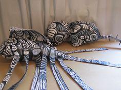 Pequenos Objetos Lona, acrílica, acrilon Lourdes Barreto