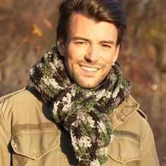 Men's Scarf (crochet pattern)  Scarf? What scarf? Oh.