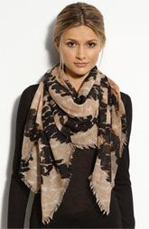 Burberry Watercolor Scarf - if you were going to wear one scarf all winter long, this should be it. Ways To Wear A Scarf, How To Wear Scarves, Tie Scarves, Mature Women Fashion, Burberry Scarf, Outdoor Apparel, Fashion Outfits, Fashion Tips, Woman Outfits