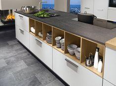 ewe… ein gutes Gefühl! Wir haben die Vorteile von unseren Küchen für dich in einem Folder zusammengefasst. Country Style Homes, Küchen Design, Kitchen Cabinets, House Styles, Storage, Modern, Furniture, Home Decor, Kitchens