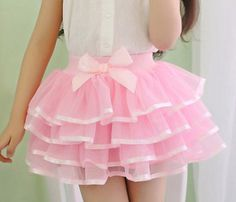 Love the tiers Diy Tulle Skirt, Tutu Skirt Kids, Baby Skirt, Baby Dress, Dance Outfits, Kids Outfits, Little Girl Dresses, Girls Dresses, Baby Christening Dress