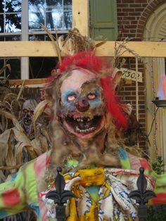 scarecrow clown