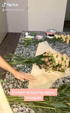 Flower Bouquet Diy, Bouquet Wrap, Paper Bouquet, Red Rose Bouquet, Tulip Bouquet, Boquet, Candy Bouquet, How To Wrap Flowers, Diy Flowers