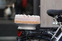 List of Valentines Day Cake Delivery Services in Montreal #Montreal #stepbystep