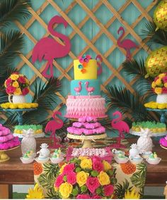Put colored tablecloth behind Latice for a pop of color! Hawaiian Birthday, Flamingo Birthday, Luau Birthday, Aloha Party, Luau Party, 13th Birthday Parties, Birthday Party Decorations, Tropical Party Decorations, Flamenco Party