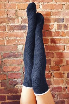 "Ravelry: ""Diamond in the Ruffle"" Cable Knit Socks-patroon van Lauren Riker. Ravelry: ""Diamond in the Ruffle"" Cable Knit Socks-patroon van Lauren Riker. Cable Knit Socks, Crochet Socks, Knitting Socks, Knit Crochet, Crochet Granny, Knitted Slippers, Over The Knee, Underwear Shop, Mode Crochet"