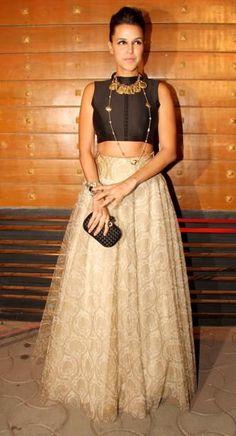 Neha Dhupia in Payal Singhal & Anju Modi Indian Wedding Fashion, Indian Wedding Outfits, Indian Outfits, Indian Fashion, Indian Clothes, Indian Dresses, Indian Designer Outfits, Designer Dresses, Simple Lehenga