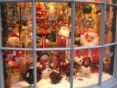 1000+ images about Christmas Storefront Decorations on ...
