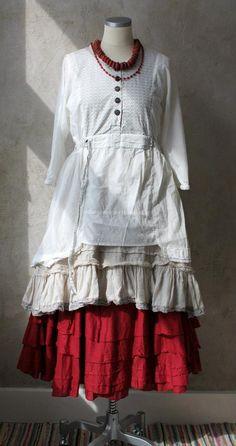 Lagenlook: white pinafore over red petticoat skirt