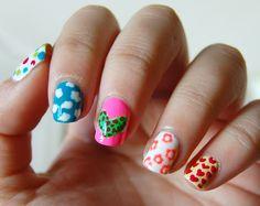 Más nail art. Agatha Ruiz de la Prada nails :D