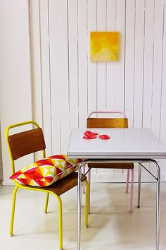 THE PROJECT: Colorful Cafeteria Chairs One crafty blogger reinvented a pair of cafeteria chairs by unscrewing their wood veneer backs and then spray-painting only their steel bases. FURTHER READING: Møbel Pøbel mobelpobel