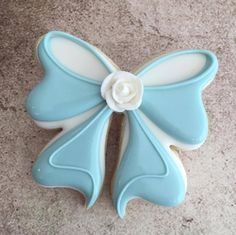How to Make the Most Perfect Bow Cookies Ever -- GUEST POST (Delorse Sword) | LilaLoa: How to Make the Most Perfect Bow Cookies Ever -- GUEST POST (Delorse Sword)