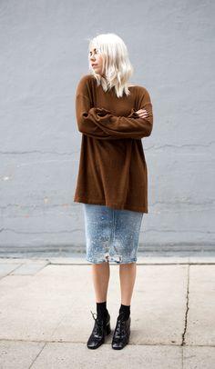 How To Wear Denim Blouse Midi Skirts 41 Super Ideas Star Fashion, Look Fashion, Estilo Cool, Denim Blouse, Denim Skirt, Estilo Blogger, Cool Style, My Style, Couture Week