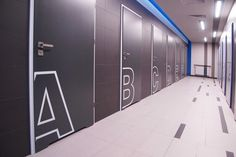 Prysznice w TRUCK ARENA GRÓJEC | Projektowanie wnętrz mieszkalnych, komercyjnych – Bizzonarch