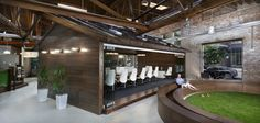 Post-workout, muscle-recovery beverage company Core Power moved into an awesome brick and timber office space in Chicago, designed by BOX Studios