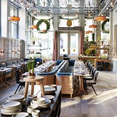 Restaurant space: An Exclusive First Look Inside Guild New York, the Bustling and Beautiful Flagship Store of Roman and Williams Architecture Restaurant, Modern Restaurant, Restaurant Interior Design, Cafe Restaurant, Cafe Bar, Coffee Shop Design, Cafe Design, Design Design, Coffee Shops