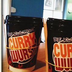 """Sideways Catering Du erhälst ein Catering mit unserem stylichen """"Currywurst-Bike"""" für 20 Personen inkl. 2 Getränke pro Person"""
