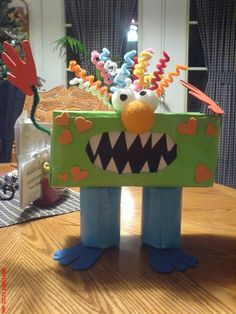 Monster box. Fun idea for Halloween treats. Great Valentine box idea