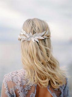 The Wild Rose Accessories leaf bridal bridal comb, bridal accessory, hair accessory  Photo Isabelle Hesselberg www.2brides.se
