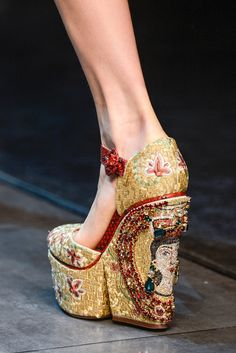 Dolce & Gabana golden embroidered wedges. Stunning.