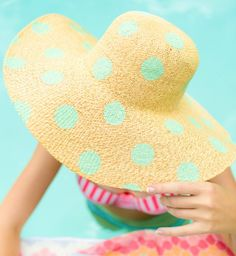 Cool Summer Fashion for Teens - DIY Polka Dot Floppy Hat - Easy Sewing Projects and No Sewing Crafts Diy Ombre, Summer Diy, Summer Hats, Summer Fresh, Summer Beach, Kleidung Design, Diy Kleidung, Craft Projects, Projects To Try