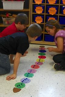 Music Centers: Caterpillar Rhythms is another variation on the popsicle stick rhythm activity, and allows students to create rhythms in time and practice them in small groups. Preschool Music, Music Activities, Music Games, Music Music, Physical Activities, Elementary Music Lessons, Elementary Schools, Music Education, Physical Education