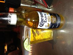 Distrito AC Red Bull Drinks, Alcohol Aesthetic, Absolut Vodka, Snapchat, Best Beer, Party Drinks, Going Crazy, Girl Pictures, Beer Bottle