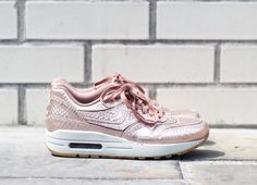 Threads Styling Nike Air Max 1 Cut Out Premium Rose Gold