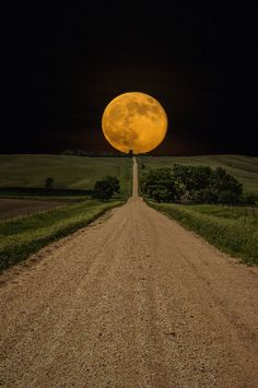 Supermoon rises over this road to nowhere in eastern South Dakota