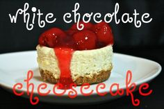 Mini White Chocolate Cheesecakes - you choose the topping! Healthy Cheesecake Recipes, Cheesecake Day, Protein Cheesecake, White Chocolate Cheesecake, Chocolate Cherry, Just Desserts, Delicious Desserts, Yummy Food, Yummy Recipes