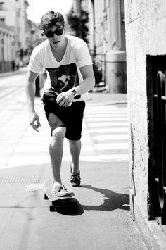 Francisco Lachowski on road Francisco Lachowski, Fashion Moda, Boy Fashion, Mens Fashion, Skate Fashion, Skateboard Fashion, Hipster Fashion, Fasion, Fashion Design