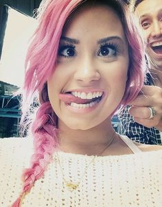 color+hair+stles+demi+lavoto | demi-lovato-hair-pink-braid