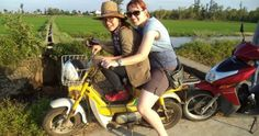 Street Food Tour by Motorbike - Hoi An Food Tour - funny moment between guest and guide